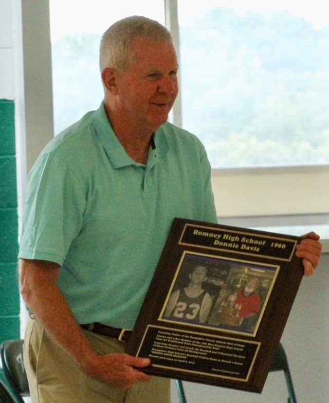 Donnie Davis honored by current Chairman, Ken Sitar